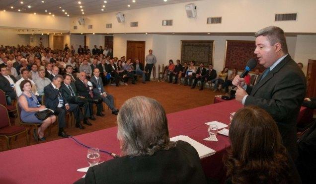Anastasia falou sobre boas práticas em gestão pública para os futuros administradores municipais. Fotos Alessandro Carvalho