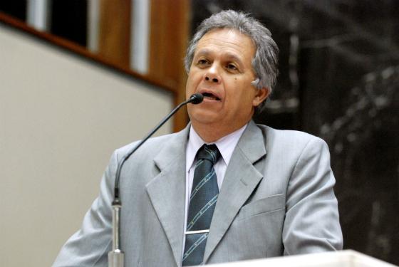 """O deputado estadual Rômulo Viegas (PSDB) quer saber: """"Quando vai de fato acontecer o milagre da obra de Confins?"""""""