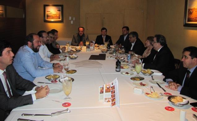 Primeiro encontro reuniu representantes do PSDB, PP, PPS, DEM, PSD, PTB, PR e PDT