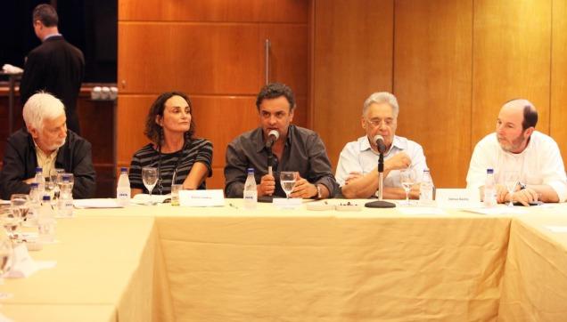 """""""O que falta ao Brasil hoje são respostas para questões essenciais"""", diz Aécio em evento do ITV no Rio. Foto George Gianni"""