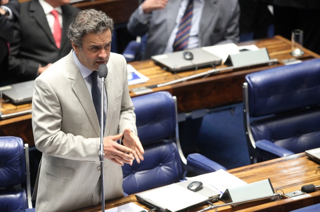 Senador Aécio Neves pedirá informações sobre operações financeiras do banco com outros países. Foto George Gianni