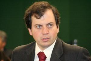 """Dep. Rodrigo de Castro: """"Herança do PT é o desmantelamento do setor energético"""""""