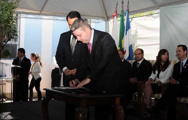 Anastasia assina convênio com a Prefeitura Municipal de Sacramento. Foto Osvaldo Afonso/Imprensa MG