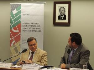 O dep.Paulo Abi-Ackel (PSDB-MG) é o presidente da Comissão de Ciência e Tecnologia, Comunicação e Informática