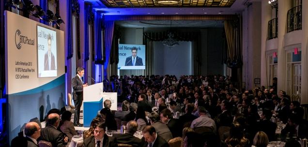 Presidente do PSDB, senador Aécio Neves, durante palestra para investidores, nesta terça-feira (08/10), em Nova York (EUA). Foto Thiago Bernardes/Frame