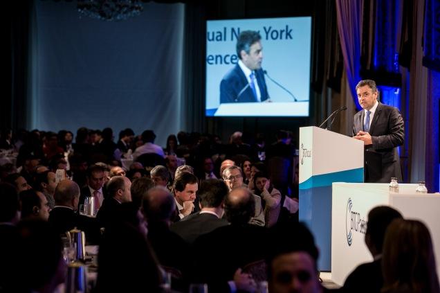 Presidente do PSDB, senador Aécio Neves, durante palestra para investidores, nesta terça-feira, em Nova York (EUA). Foto Thiago Bernardes/Frame