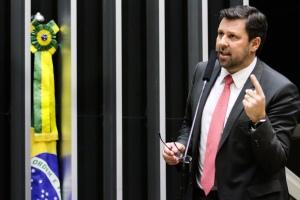 Dep.Carlos Sampaio, líder do PSDB na Câmara