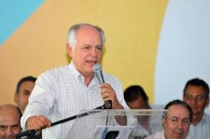 Pimenta da Veiga: o governo federal está deixando os municípios à míngua