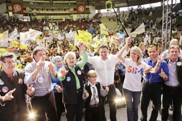 O candidato à Presidência da República pela Coligação Muda Brasil, Aécio Neves, participa do Encontro da Esperança no Rio Grande do Sul. Foto Igo Estrela