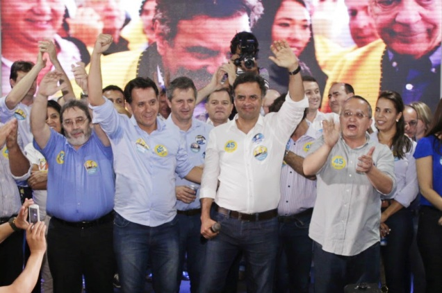 Aécio Neves durante ato político em Sinop (MT). Foto Igo Estrela