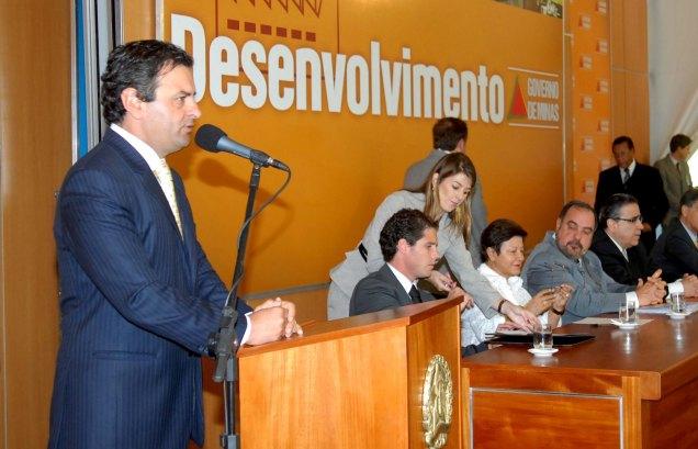 Ao assumir o governo de Minas em 2003, Aécio definiu pilares como a eficiência da máquina pública