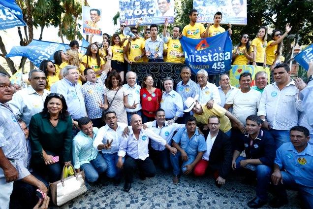Em Teófilo Otoni, o prefeito Getúlio Neiva (PMDB) declarou apoio às candidaturas de Pimenta da Veiga e de Antonio Anastasia. Foto Nidin Sanches