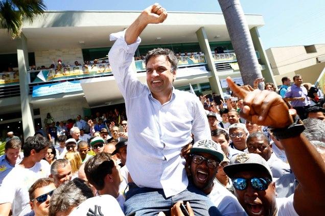Em Montes Claros, Aécio recebeu apoio de lideranças políticas do Norte de Minas e foi recepcionado com entusiasmo pela população