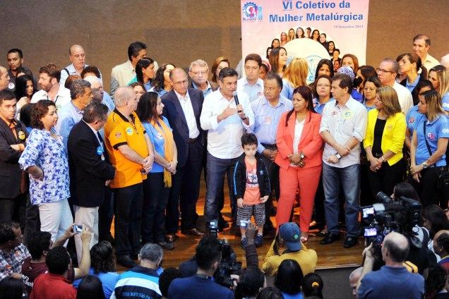 Após a reunião com os sindicalistas, Aécio participou como convidado do encerramento do encontro do Coletivo das Mulheres Metalúrgicas de São Paulo, Mogi das Cruzes e Região