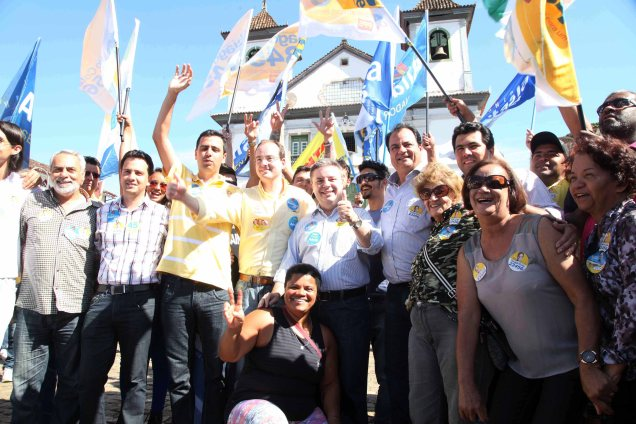 Em visita a Mariana e Ouro Preto, onde também levou os nomes de Pimenta  e Aécio, Anastasia defendeu a preservação do patrimônio histórico mineiro. Foto Marcelo Sant'Anna