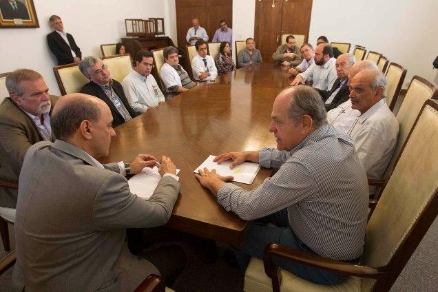 Pimenta diz que vai fortalecer regionalização da saúde em Minas e volta  a demonstrar perplexidade com escândalos de corrupção envolvendo o PT
