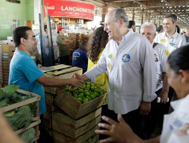Em visita a Ceasa, Pimenta lembrou que Mensalão também teve origem em fraudes na estatal e anuncia que vai à Justiça contra uso da máquina pública a favor de petistas