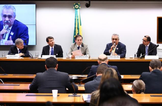 Audiência Pública na CME debateu as vantagens da energia vinda dos ventos e como o Brasil pode aumentar a utilização dessa fonte energética. Foto Antonio Augusto / Agência Câmara