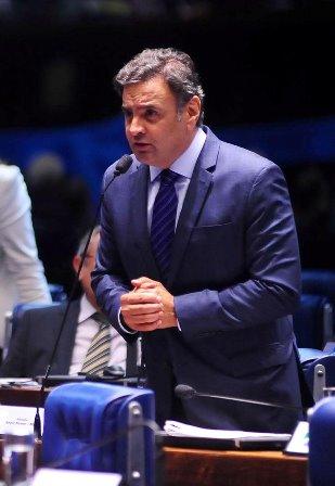 Aécio saudou aprovação de proposta do Senado que torna obrigatória a participação do governo federal na segurança pública