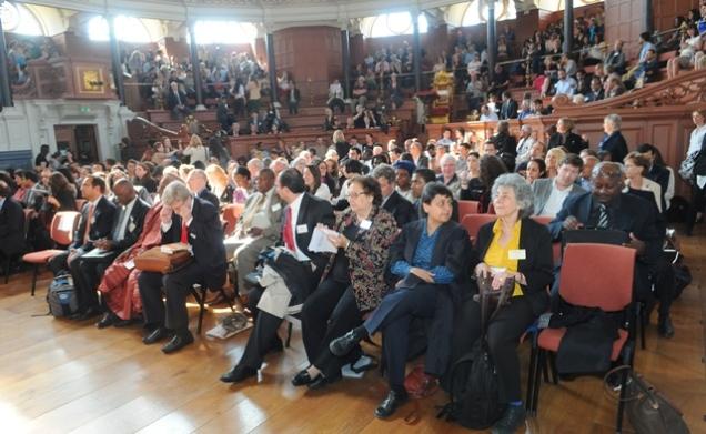 Multidimensional Poverty Peer Network (Rede Multidimensional de Avaliação da Pobreza) realizado em junho de 2013, no Reino Unido, contou com a participação do Governo de Minas