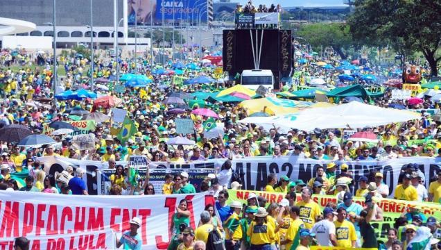 Manifestação contra Dilma neste ano em Brasília; maioria da população defende impeachment, apontou pesquisa Datafolha